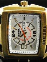 นาฬิกา Diesel Bugout หน้าปัดขาวขอบเงิน สายหนังแท้ งานเกรด Mirror เทห์สุดๆ