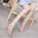 รองเท้าแฟชั่น ส้นสูง สไตล์แกลดิเอเตอร์ หนังเงาเมทัลลิคแต่งเข็มขัดด้านข้างสวยเก๋เซ็กซี่ ปรับกระชับได้ ซิปหลังใส่ง่าย ส้นสูงประมาณ 4 นิ้ว ใส่สบาย แมทสวยได้ทุกชุด