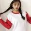 เสื้อแฟชั่นสไตล์ฮาราจูกุ แขนยาว บุกันหนาว สีทูโทน เสื้อสีขาวแขนสีแดง thumbnail 1