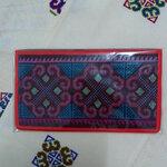 กระเป๋าใส่ธนบัตร สีแดง ลายดอกแดง,ม่วง แซมเขียว