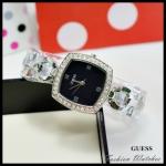 ใหม่ !! นาฬิกาข้อมือ Guess ตัวเรือนสีเงิน หน้าปัดสีดำ ล้อมเพชร สวยหรู