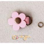 ตัวห้อยซิปดอกไม้หนังแท้ สีชมพูอ่อน (ขนาด 2.7x3.5ซม)