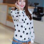 เสื้อเชิ้ตสไตล์เกาหลี ผ้าพิมพ์ลายดาวสุดเก๋ๆ เนื้อผ้าดีสวมใส่สะบาย