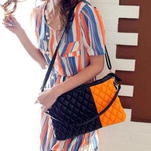 กระเป๋าหนัง2สี เย็บเฉียง นุ่มๆ น่าใช้ ใส่ ipadมินิ ได้จ้า