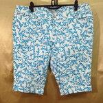 เอว40-42 แบรนด์ Old Navy กางเกงคนอ้วน ผ้ายีนส์ยืด สีขาวสกีนลายใบไม้สีฟ้าสดใส ขาสามส่วน